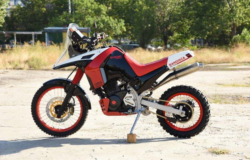 Suzuki-DR800-Rally-Bike-14.jpg.c35f7f6897beb7879785f9c24c77ccd8.jpg