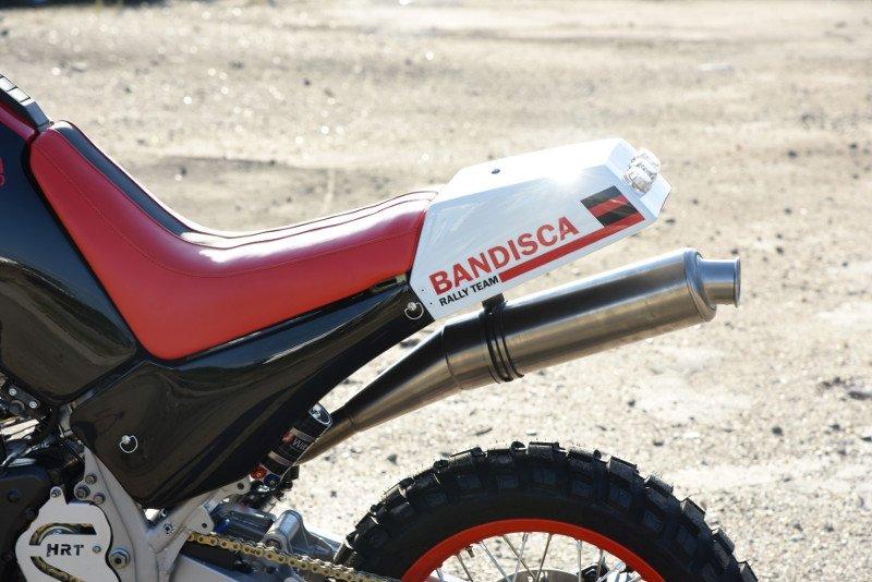 Suzuki-DR800-Rally-Bike-3.jpg.42ec874ef10c0b82031ebfd0c23215d0.jpg