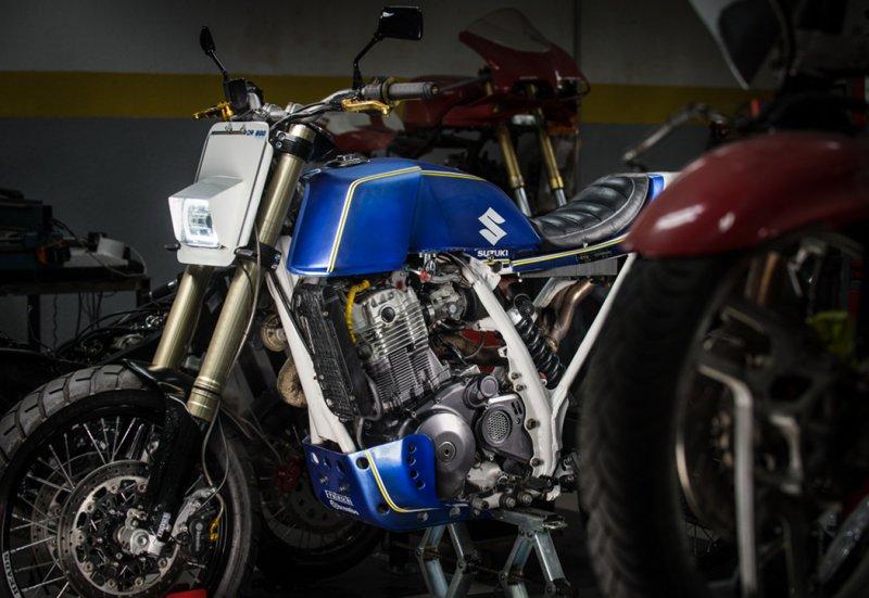 Suzuki-DR800-Street-Tracker-4.jpg